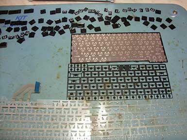 Залил клавиатуру ноутбука пивом, водой, соком, кофе, чаем