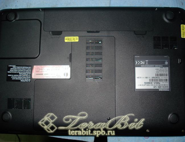 Подготовливаем ноутбук  Toshiba Satellite L850 к разборке..