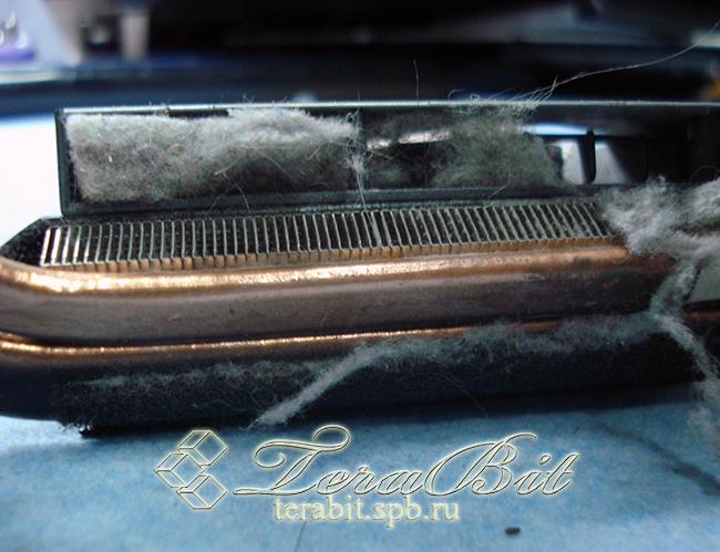 Загрязненная система охлаждения ноутбука Acer E1-571